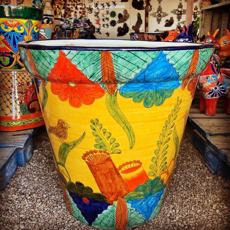 talavera large yellow vaso with blue and red flowers